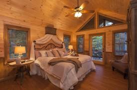 Arcadia | Cabin Rentals of Georgia | Upper Level Master King Suite