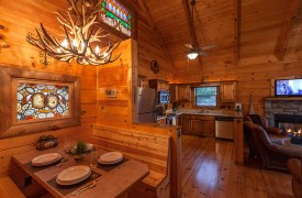 Hiwassee River Run | Cabin Rentals of Georgia | Built-In Dining Area