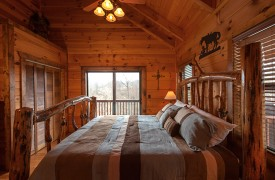 Hiwassee River Run | Cabin Rentals of Georgia | Lots of Light, Rustic Decor