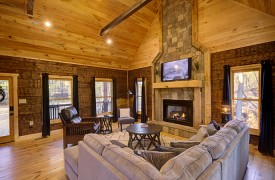 Our True Blue | Blue Ridge Cabin Rentals | Cabin Rentals of Georgia | Luxury Living Area w/ ample seating for 6 guests