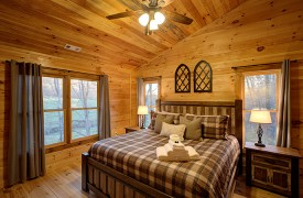 Our True Blue | Blue Ridge Cabin Rentals | Cabin Rentals of Georgia | Main Level King Bedroom w/ sunrise mountain views