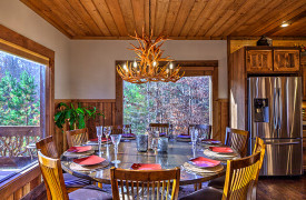 The Great Getaway | Cabin Rentals of Georgia | Dining Area