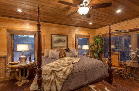 The Great Getaway | Cabin Rentals of Georgia | King Master Suite