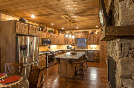 The Great Getaway | Cabin Rentals of Georgia | Kitchen