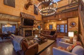 The Great Getaway | Cabin Rentals of Georgia | Grand Living Area