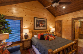 The Great Getaway | Cabin Rentals of Georgia | King Suite