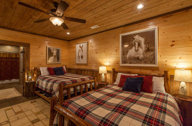 The Great Getaway | Cabin Rentals of Georgia | Terrace Level Queen Beds