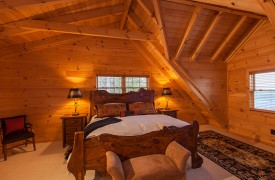 Sky High Lodge | King Master Suite | Cabin Rentals of Georgia