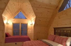 Fallen Timber Lodge | Cabin Rentals of Georgia | Second Queen Suite