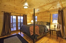 Aska Adventure Outpost | Cabin Rentals of Georgia | Queen Bedroom