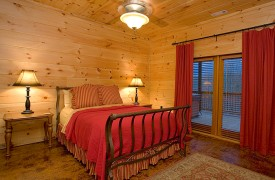 A Rolling River Cabin | Cabin Rentals of Georgia | Terrace Queen Suite