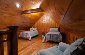Cadence Ridge | Cabin Rentals of Georgia | Crow's Nest Bedroom