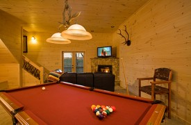 A Rivers Bend | Cabin Rentals of Georgia | Terrace Level Game Room