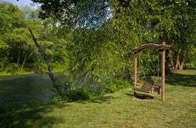 A Rivers Bend | Cabin Rentals of Georgia | Relaxing Swing