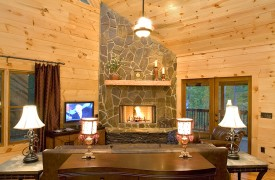 Aska Adventure Outpost | Cabin Rentals of Georgia | Great Room