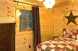Aska Adventure Outpost | Cabin Rentals of Georgia | Twin Bedroom