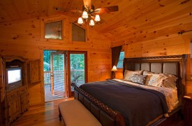 Crooked Creek Cabin | Cabin Rentals of Georgia | King Master Suite
