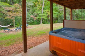 Crooked Creek Cabin | Cabin Rentals of Georgia | 6-Person Hot Tub