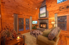 Blue Horizon Lodge | Cabin Rentals of Georgia | Living Area