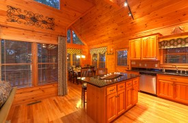 Blue Horizon Lodge | Cabin Rentals of Georgia | Gourmet Kitchen