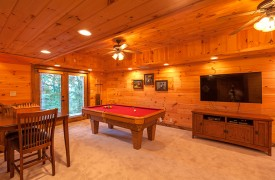 Blue Horizon Lodge | Cabin Rentals of Georgia | Game Room