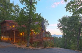 Blue Horizon Lodge | Cabin Rentals of Georgia | Relax Among Trees