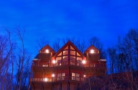 Riverview Lodge | Cabin Rentals of Georgia | Stunning Window Wall