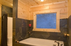 Fallen Timber Lodge | Cabin Rentals of Georgia | Master Private Bath