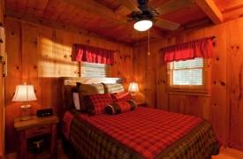 Time Flies | Cabin Rentals of Georgia | Queen Bedroom