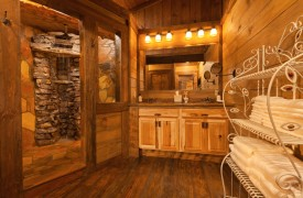 Time Flies | Cabin Rentals of Georgia | Master King Suite Bath