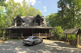 Hidden Valley Lodge | Cabin Rentals of Georgia | Stunning Lodge