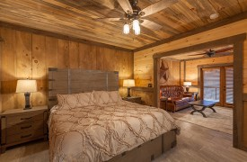 River Heights Lodge | Cabin Rentals of Georgia | Terrace Level King Master Suite w/ Private Living Area