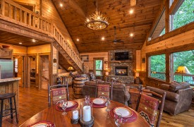 Aska Escape Lodge | Blue Ridge Cabins | Aska Adventure Area Cabin Rentals | Cabin Rentals of Georgia | Dining Area