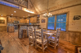 Heartwood Lodge | Cabin Rentals of Georgia | Dining for 6 w/ Breakfast Bar