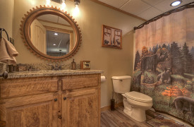 Heartwood Lodge | Cabin Rentals of Georgia | Terrace Level Full Bath