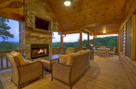 Heartwood Lodge | Cabin Rentals of Georgia | Outdoor Living