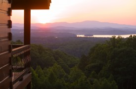 Royal Mountain Lodge | Summer Sunset | Cabin Rentals of Georgia
