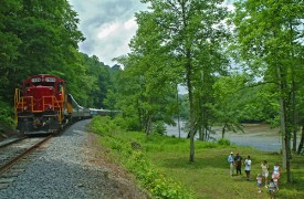 Riverview Lodge | Cabin Rentals of Georgia | Railroad and Toccoa River