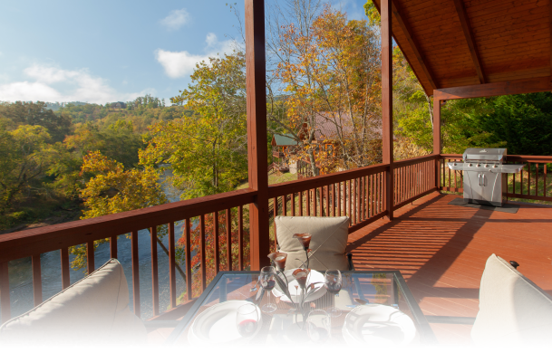 Hiwassee River Buffalo Ridge | Cabin Rentals of Georgia | Covered Porch